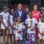 Fabrice Sawegnon reçoit des jeunes lauréats de la Tennis Academy